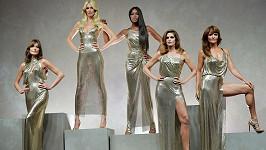 Carla Bruni, Claudia Schiffer, Naomi Campbell, Cindy Crawford a Helena Christensen opět na scéně.