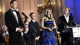 Třináctiletý Artur Šípek přebíral cenu za svého tatínka.