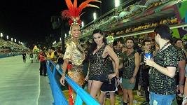Nejhezčí ženy planety Lais Ribeiro (27) a Adriana Lima (36) vzaly karneval útokem.