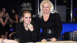 Ornella Štiková s matkou