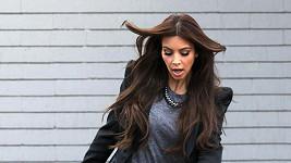 Kim Kardashian se snaží udržet rovnováhu.