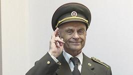 Bořivoj Navrátil jako kapitán Bařinka.