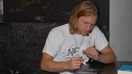 Tomáš Klus podepisoval své nové CD.