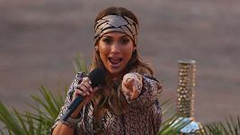 Krásná Lopez měla hodně odvážný výstřih.