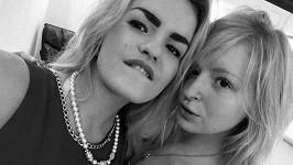 Stefanii (vlevo) zavraždila její starší sestra Elizaveta údajně ze žárlivosti.