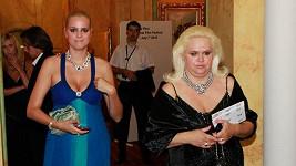 Ornella Štiková s maminkou se asi modlí, aby se Pepa rozvedl. Neúspěšně.