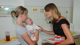 Emma se v přítomnosti malých dětí rozplývala.