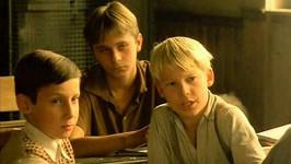 Václav Jakoubek, Marek Endal a Radoslav Budáč ve filmu Obecná Škola.