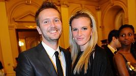 Dominika Kratinová a David Holubek na plese na Žofíne.