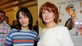 Tereza Kostková s maminkou Carmen Mayerovou.