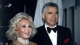 Zsa Zsa Gabor s Frédéricem v 90. letech.