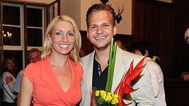 Martin Chodúr je stále se svojí partnerkou.