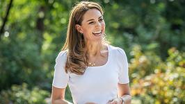 Vévodkyně Kate se nebojí své outfity recyklovat.