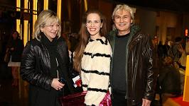 Petra Nesvačilová s maminkou a tatínkem