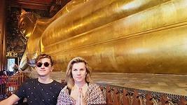 Leona Machálková se synem v Thajsku