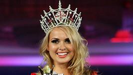 Alize Mounter z Walesu, která porazila všechny Angličanky v soutěži Miss England.