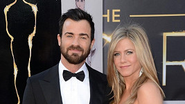 Jennifer Aniston se snoubencem.