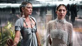 Kate Moss na stejné přehlídce s dcerou Lilou