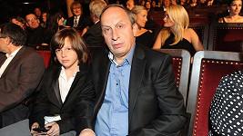 Jan Kraus (na snímku se synem Jáchymem) se opět tvářil jako kakabus.