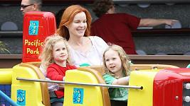 Herečka Marcia Cross a její čtyřletá dvojvaječná dvojčata Eden a Savannah.