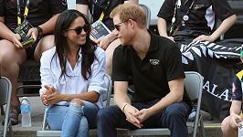 Princ Harry a herečka Meghan Markle se zasnoubili