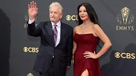 Catherine Zeta-Jones a Michael Douglas na udílení cen Emmy