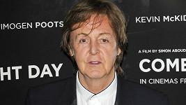 Paul McCartney skončil v nemocnici.