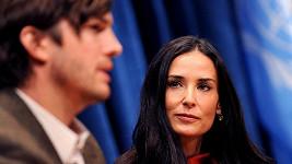 Demi Moore se nemůže smířit se ztrátou Ashtona Kutchera.
