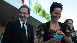Ralph Fiennes si bedlivě střeží soukromí a o pozornost nestojí ani jeho partnerka.