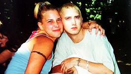 Kim Scott a Eminem na archivním snímku