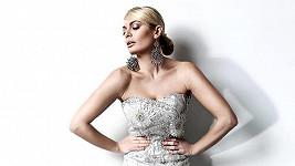 Lucie Borhyová v roli modelky