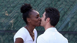 Venus Williams s partnerem Eliem Pisem.