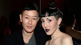 Modelka Jenny Shimizu s Michelle Harper
