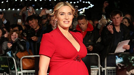 Kate Winslet je od víkendu trojnásobnou maminkou.