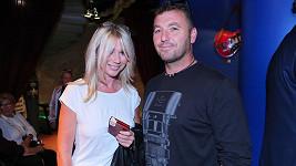 Tina Pletánková ve společnosti s novým mužem.