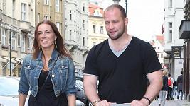Lucie Králová a Jiří Šlégr jsou chudší. Soud hokejistu připravil o balík peněz.