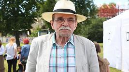 Jaroslav Uhlíř už zase vystupuje.