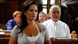 Jitka Čvančarová v seriálu Doktor Martin
