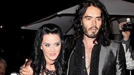 Katy Perry a Russell Brand už nejsou manželi.