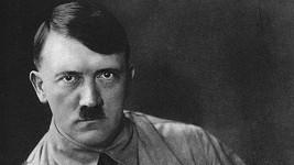 Adolf Hitler údajně začal pracovat na projektu prvních nafukovacích panen.