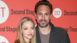 Amanda Seyfried a Thomas Sadoski