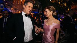 Renée Zellweger a Hugh Grant na galavečeru BAFTA
