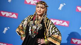 Madonna vzdává díky v Malawi.