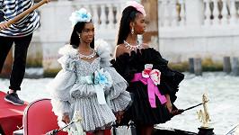 Sestry debutovaly na přehlídce v Benátkách.