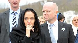 Pro citlivou herečku nebylo snadné vyslechnout si kruté osudy žen ze Sarajeva.