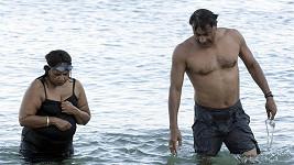 Miliardář Lakšmí Mittal v Řecku s manželkou Ushou.
