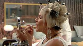 Takhle se krášlí Samantha Fox...