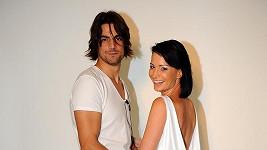Je to ironie, ale ve svatebních šatech fotil moderátorku Daniel Zahrádka, který je označován za jejího milence.