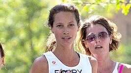 Christy Turlington během závodu její dobročinné organizace.