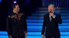 Karel Gott s Martinem Dejdarem zpívali píseň Být stále mlád.